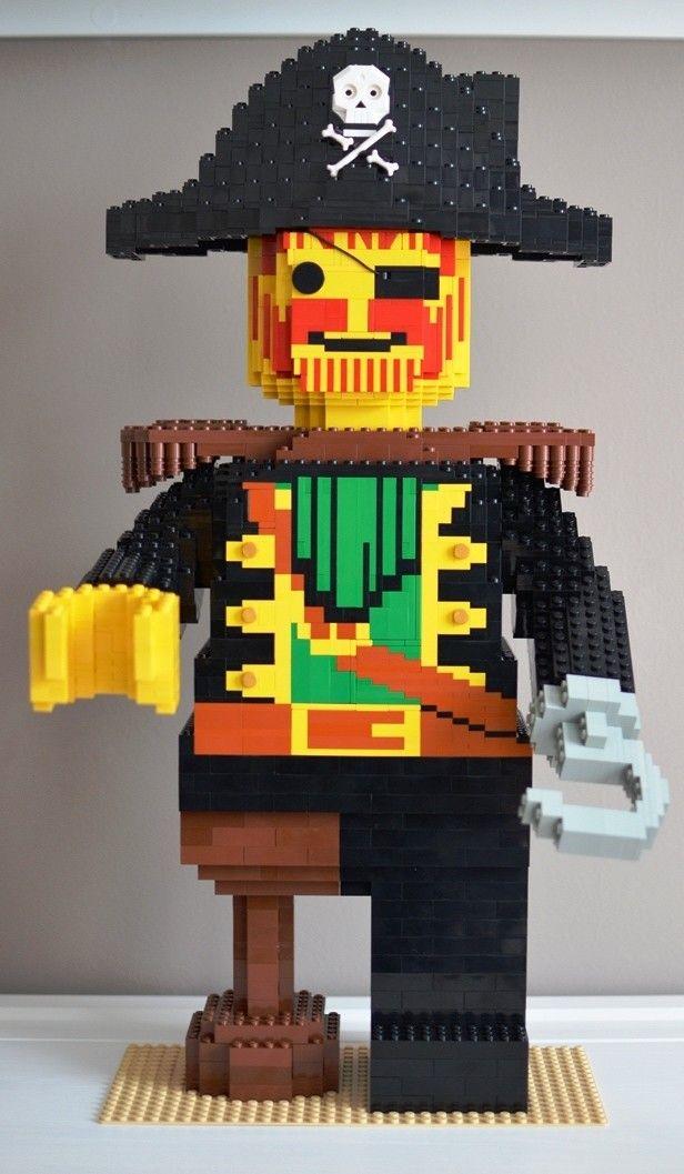 lego pirate captain redbeard love the peg leg and hook. Black Bedroom Furniture Sets. Home Design Ideas