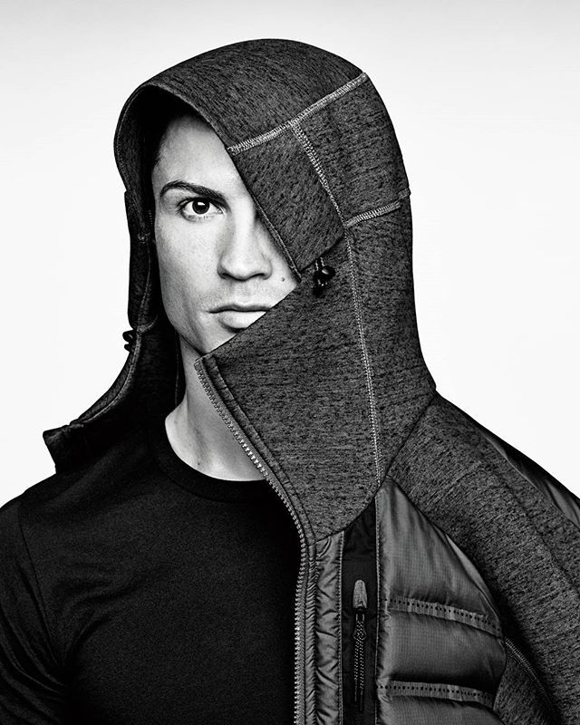 All the warmth and coverage I need this season. nike.com/techbook#techpack