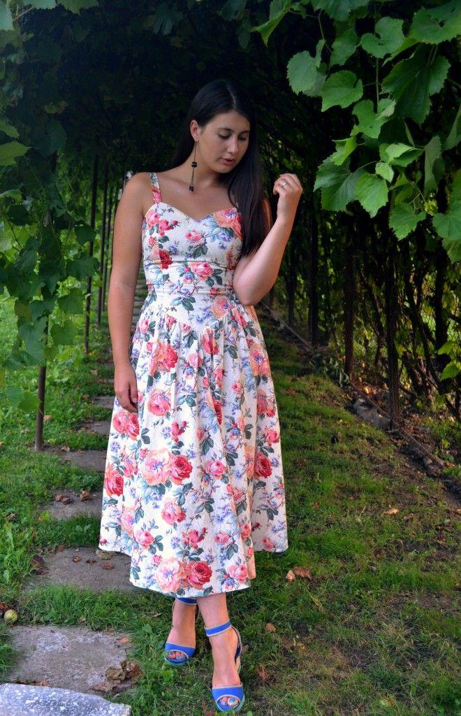 Vintage floral dress   Fashion Sofa
