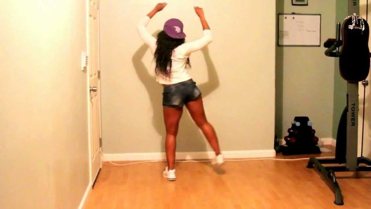 Rihanna Cake TWERK tutorial http://www.youtube.com/watch?v=wTecDGlbKqo
