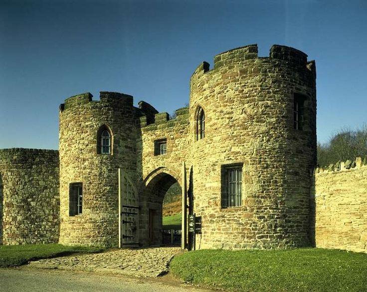 Beeston Castle and Woodland Park   English Heritage