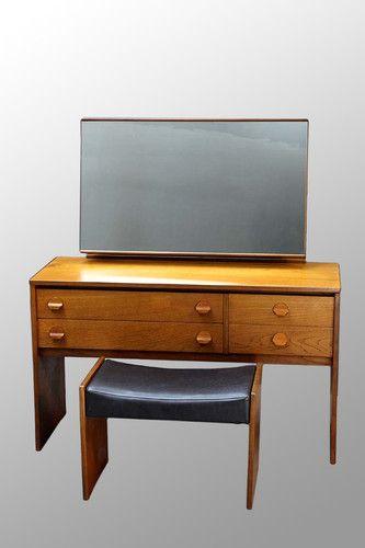 14 best images about dressing tables on pinterest vintage vanity teak and large round mirror. Black Bedroom Furniture Sets. Home Design Ideas