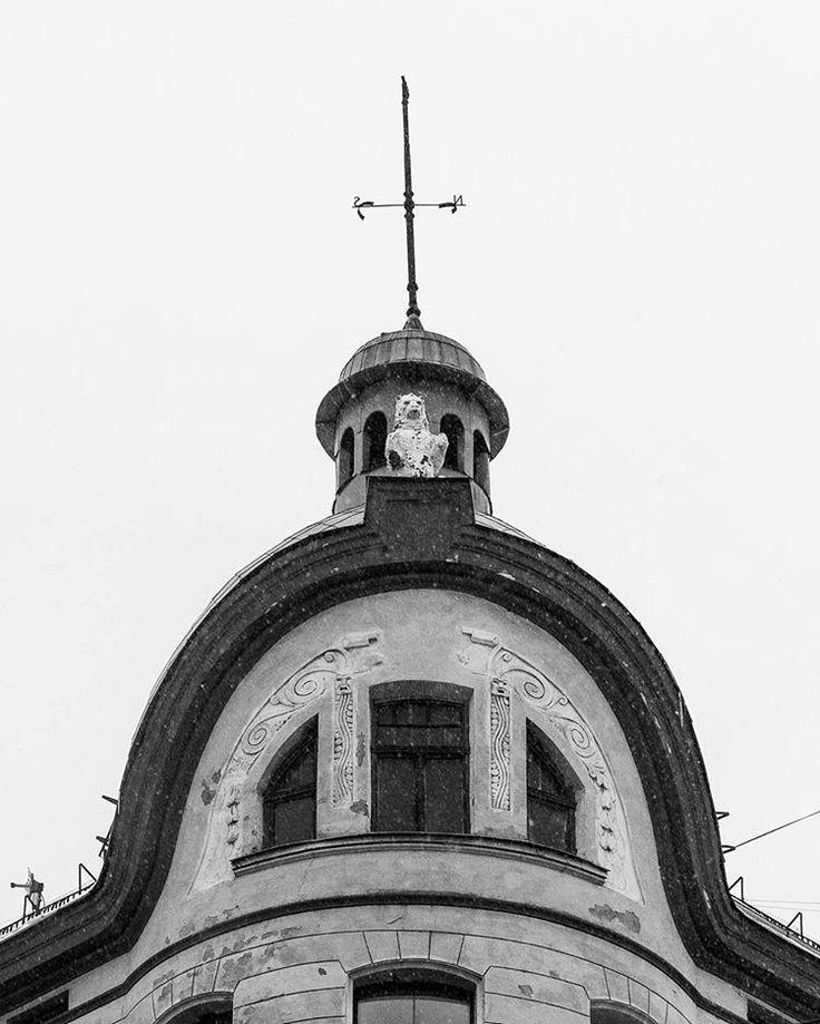 Anonymous building corner  Riga, Latvia 2017 Jordi NN . . . #cityscape #facade #Riga #latvia🇱🇻 #blackandwhite #blackandwhitephotography #bnw #building #photography #monochrome #2017 #jordiNN