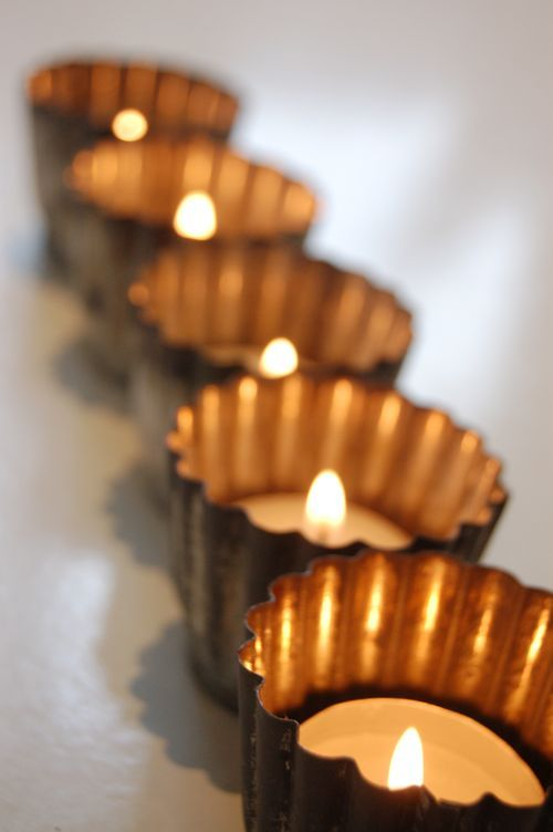 tea lights in cupcake tins - you can find some super cute christmas cupcake tins - or even take plain ones and spray paint them with silver or gold glitter paint...