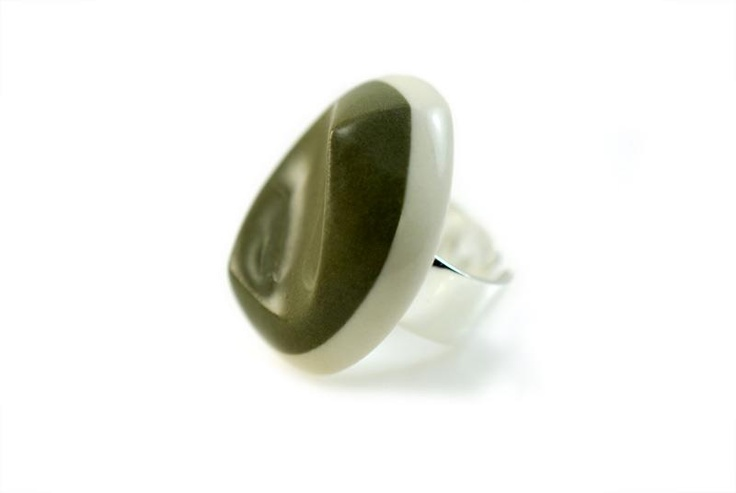 Duo colored, glazed porcelain ring.