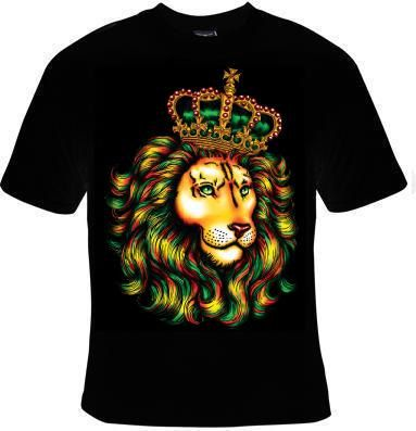 Cool Gift Unisex T-Shirt: lion the king of jungle CROWN tee T