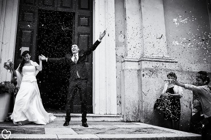 #matrimonio  La bellissima e affascinante Franciacorta, regione a forte vocazione vitivinicola, e i suoi borghi intervallati dai numerosissimi vigneti, sono stati lo sfondo del meraviglioso matrimonio di Silvia e Matteo. The beautiful and fascinating Franciacorta wine region, with its vineyards and hamlets, was the background of the wonderful wedding of Silvia and Matteo.  #weddingphotography #realwedding #grazmelphotography  #italianwedding