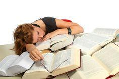 10 suggerimenti per studiare efficacemente. Come affrontare lo studio? Ecco dieci suggerimenti per studiare efficacemente e migliorare la propria capacità di apprendimento.