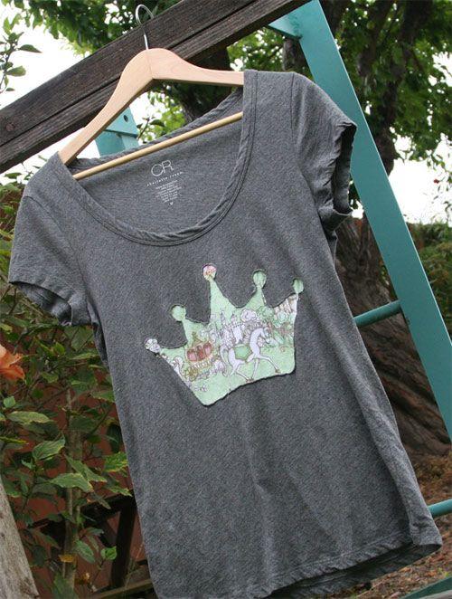 camiseta com coroa de tecido estampado