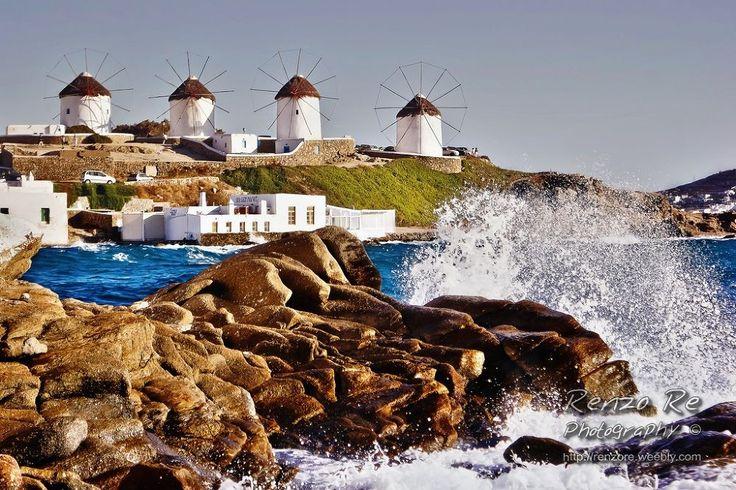 Waves in Mykonos by Renzo Re
