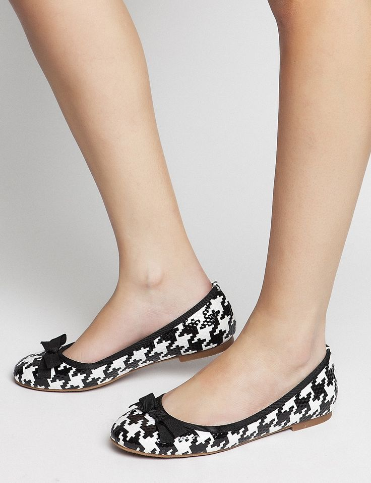 Spring Summer New Collection - Penny Black #keepfred #fred #ballerinas #shoes #outfit #style #fashion #new #collection #spring #colors #women #look #flat #flatshoes #white #black