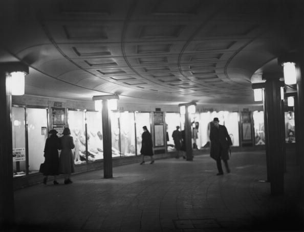 1000 images about london ww2 3 everyday life on - Salon underground lyon ...
