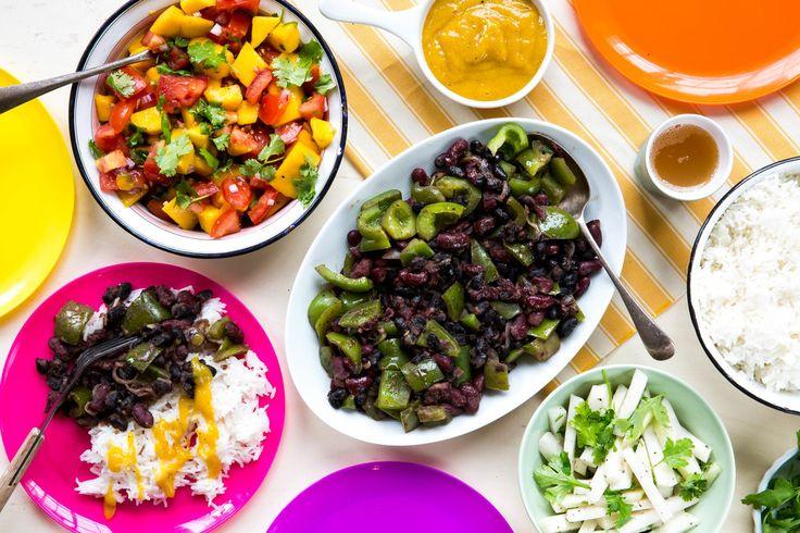 Cubaanse rijst & bonen bowl met koolrabi, mango en limoen | Marley Spoon