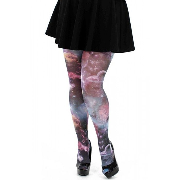 Grote maten damesmode pamela mann galactic sky | Fashion In Conflict