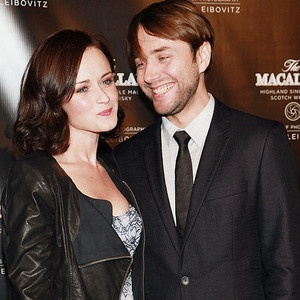 'Mad Men' costars Alexis Bledel and Vincent Kartheiser are engaged to be married. (via @E! Online)