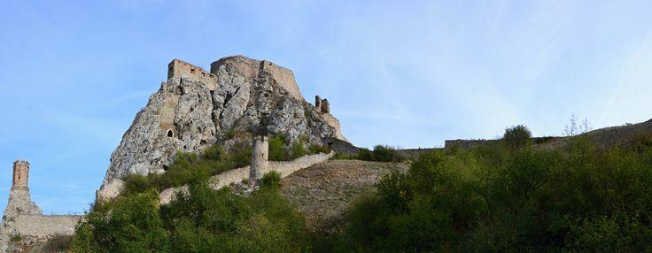 Pohľad na  hrad Devín 10.10.2012, Bratislava, Slovensko Look at Devin castle 10.10.2012, Bratislava, Slovakia