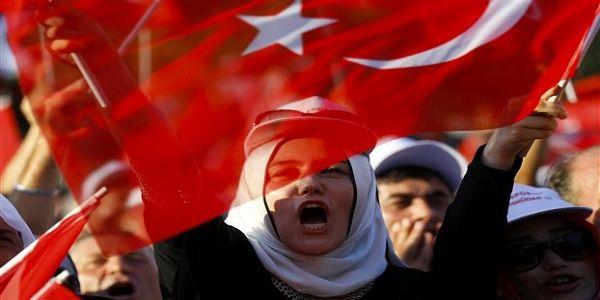 Τουρκία: Διαμορφώνεται κλίμα Εμφυλίου Πολέμου μετά την απόπειρα πραξικοπήματος