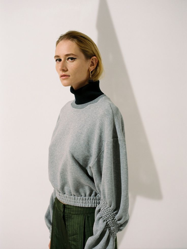 Juslin Maunula rouched sleeve sweater SS18, photo Osma Harvilahti
