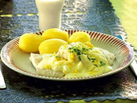 Kokt sej med äggsås Receptbild - Allt om Mat