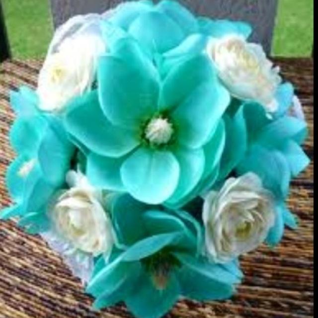 White Amp Tiffany Blue Bouquet One Fine Day Wedding