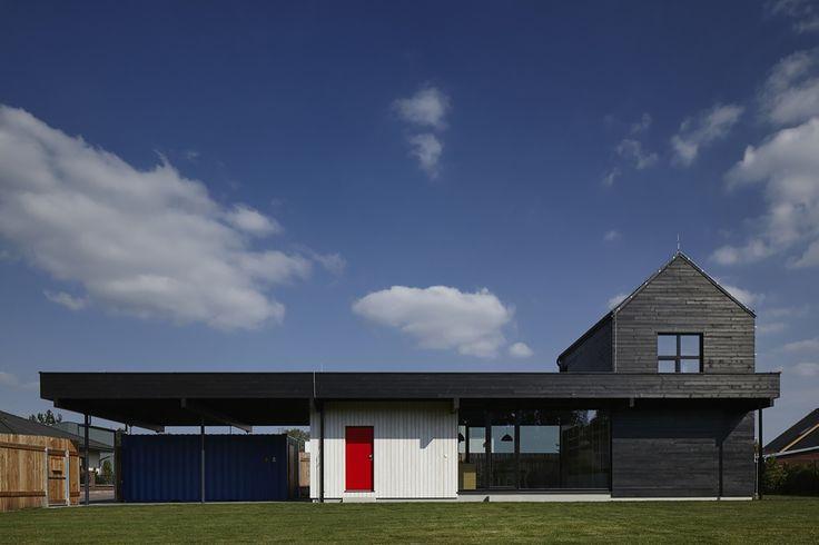 The Fence House / Mjolk architekti / Dom z ogrodzeniem – nowoczesna STODOŁA | wnętrza & DESIGN | projekty DOMÓW | dom STODOŁA