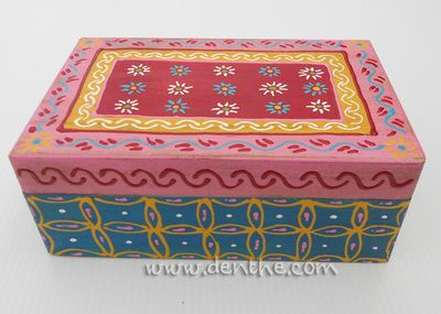 painted wooden box with quote - Boxes - denthe art