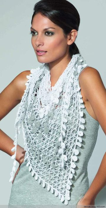 Crochet scarf, with free English pattern and chart
