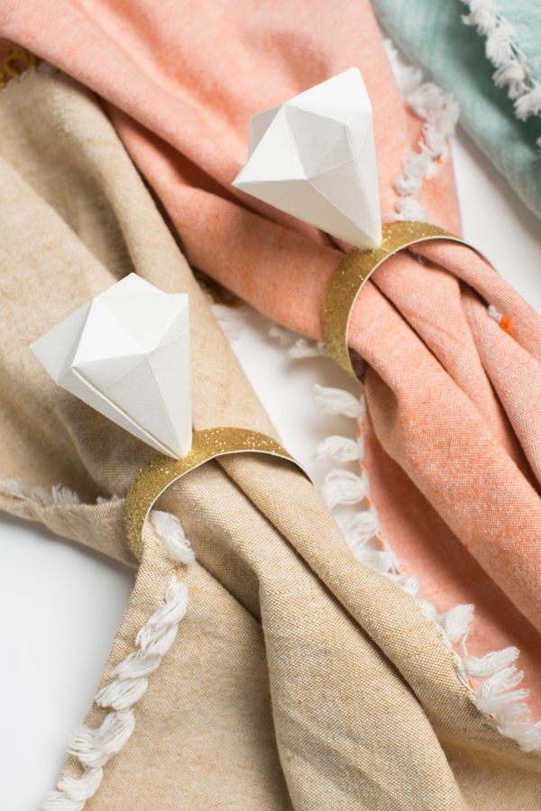 How cute are these origami napkin rings? I thought they'd be a fun detail to add to a wedding. Once you figure out the rhythm of the folding, it's actually quite simple and wouldn't take too long to make.   … Continue reading →