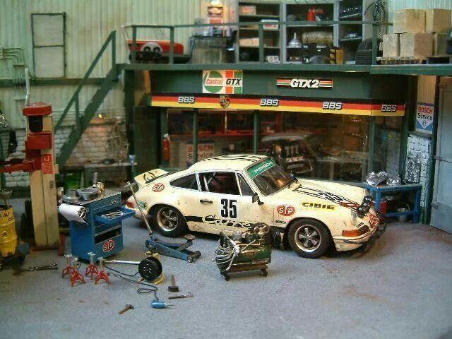 Garage voiture miniature maison design for Garage bc automobile chateauroux