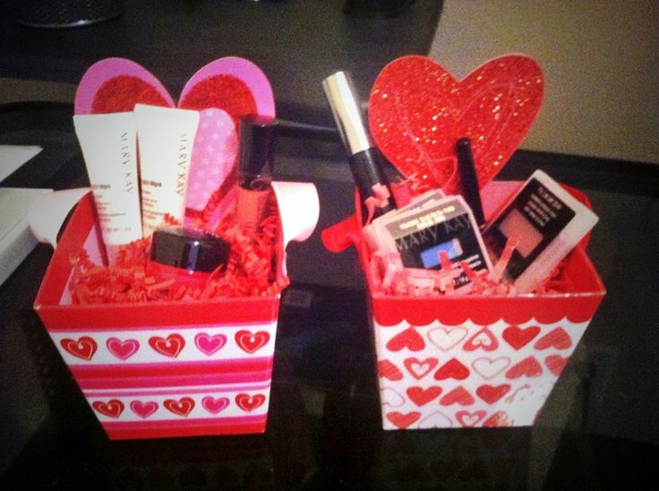 Best 25+ Valentine's day gift baskets ideas on Pinterest ...