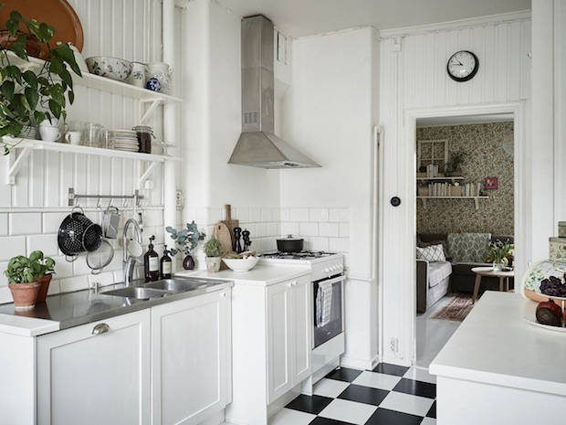 There's nothing like a warm, cheerful kitchen to brighten up mornings (and cosy-up evenings). One of my Mum's friends calls the kitchen ...