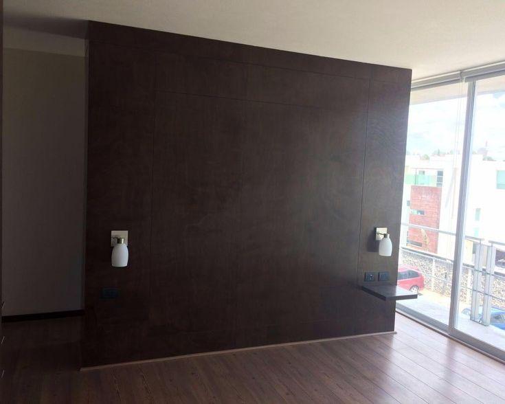 <p>Departamento nuevo en renta (SMD-1725) en Santiago Momoxpan, muy cerca de la UDLAP. El departamento está dentro de un conjunto nuevo de 3 torres, con elevador y vigilancia 24/7. Cuenta con 3 recamaras con closet (la principal con baño y vestidor), otro baño completo, baño de visitas, sala, comedor, cocina integral con barra de granito y cuarto de lavado. Cuenta con estacionamiento asignado para 2 automóviles.  </p><p> </p><p>El precio de renta e...