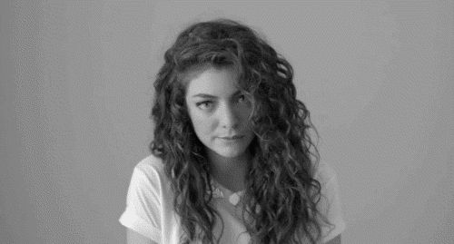 26 Things people with curly hair are tired of hearing #1 How do you get it to look like that? Step 1: Wake up. Step 2: Shower. Step 3: Hope for the best.