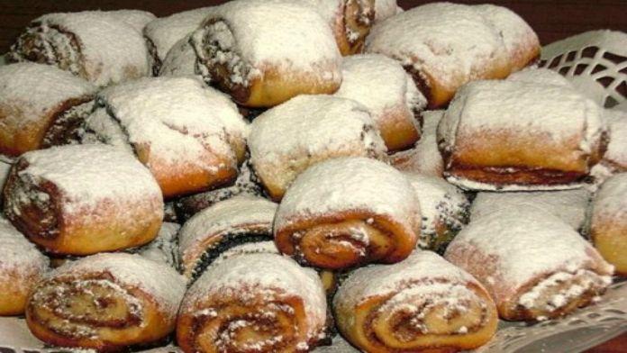 Ořechoví šneci se skořicí posypané moučkovým cukrem! Připravené za 30 minut!   Milujeme recepty