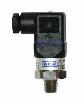 "Features and necessary details! WIKA 50426460 General Purpose Pressure Transmitter, 4 - 20mA 2-Wire Signal Output, Stainless Steel 316L Wetted Parts, 0-300 psi Range, +/-0.5% Accuracy, 1/4"" Male NPT Connection"