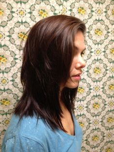 How to cut your own hair using 5 different ponytail ideas! This is amazing    This is pretty much what the stylist did at my last expensive haircut... only not ponytail holder, but the principle is still the same.