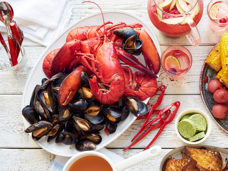 seafood boil with lobsters + mussels