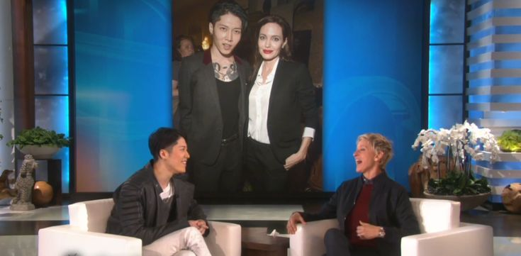 "MIYAVI meets Ellen DeGeneres and performs ""Let Go"""