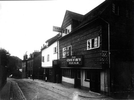 The Queen's Head, formerly the Bell and Trumpet, South Street (Sydenham Road), closed c.1920.