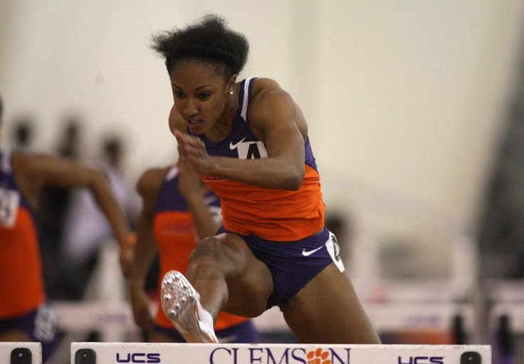 Track & Field had a successful weekend while being represented at the Texas Relay and Raleigh Relays. Brianna Rollins established the Texas Relays record and Mike A. Myers Stadium record after running a school-record time of 12.54 to win the 100 hurdles on Saturday.