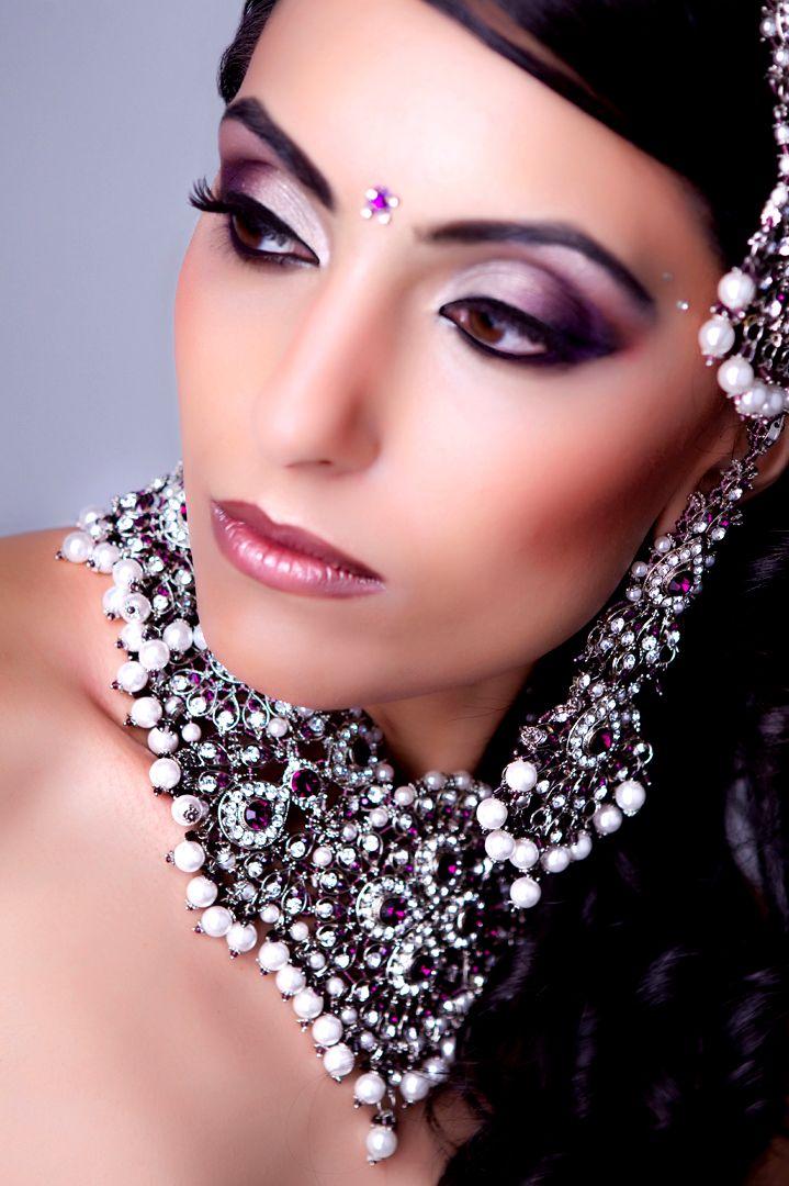 Google Image Result for http://www.sanmehra.co.uk/-/img/gallery/2-Asian-bridal-makeup-heavy-purple-smokey-eyes.jpg