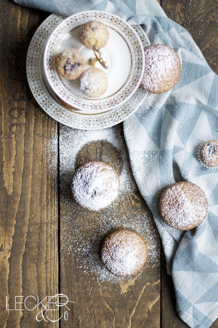 Nuss Nougat Muffins | Super leckere und einfache Muffins mit Nougatfllung, die in 30 Minuten fertig gebacken sind.