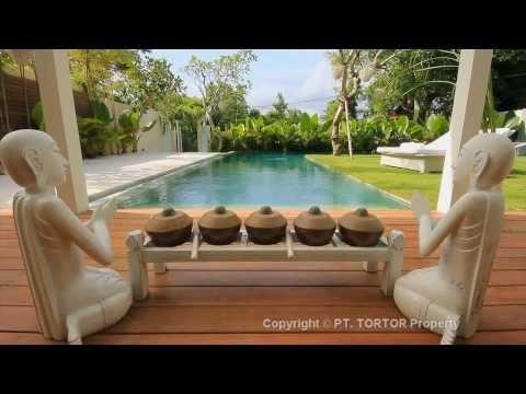 Holiday Bali villa Eden rental Seminyak beach 5 bedr home
