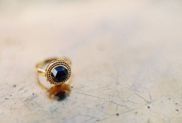 .: Sapphire Rings, Diamonds Rings, Jose Villas, 33 Jewels Wedding R, Goddesses Rings, Gold Rings, Greek Goddesses, Black Diamonds, Wedding Rings