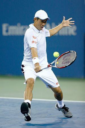 男子シングルス4回戦で、バックハンドショットを放つ錦織圭=1日、ニューヨーク(AFP=時事) ▼2Sep2014時事通信|「勝てない相手いない」=錦織、8強に深める自信-全米テニス http://www.jiji.com/jc/zc?k=201409/2014090200741 #Kei_Nishikori