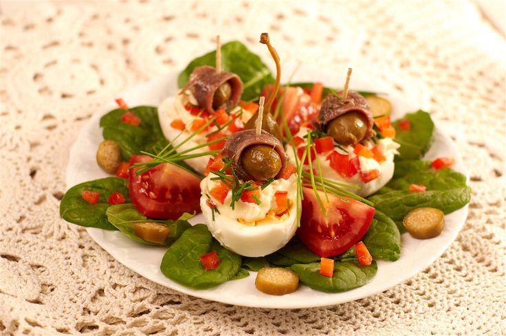 Jajka faszerowane z anchois i szczypiorkiem