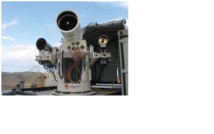 США приняли решение - устанавливать лазерные установки на свои боевые корабли. Мир пока не придумал – как бороться с беспилотными самолетами – их видят только современные радары, которые есть только у пятерки стран с передовыми технологиями. Это – США, Великобритания, Франция, Южная Корея и Израиль.  Боевая лазерная система LaWS (Laser Weapon System) создана исследовательским центром NAVSEA