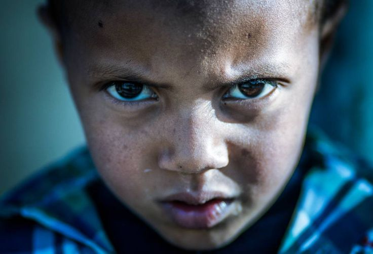 Are you talking to me ?  #actor #face #kids #boy #portrait  #beautiful #eyes #eyebrows #natural #light #canon #photography #picture #picoftheday #morocco #africa  @souk.art #editing http://tipsrazzi.com/ipost/1523974581860689909/?code=BUmPs7Oh-f1
