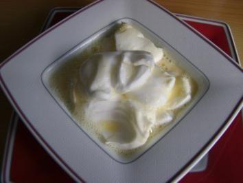 Das perfekte Schneenockerl mit Vanillesauce-Rezept mit einfacher Schritt-für-Schritt-Anleitung: Für die Schneenocker Eiweiß mit Zucker steif schlagen…