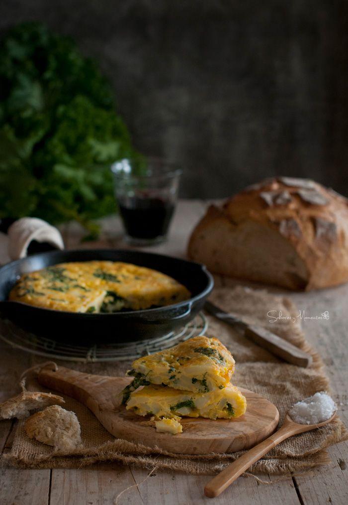Tortilla de patatas con #kale {la tradicional col rizada}